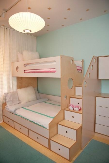 Poze Copii si tineret - Paturile etajate, o solutie atunci cand mai multi copii impart aceeasi camera