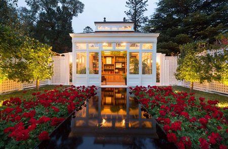 Poze Gradina de flori - Amenajare exterioara eleganta construita in jurul a trei culori