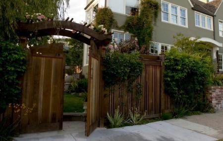 Poze Garduri si porti - pedersen-poarta-gard-lemn-1.jpg