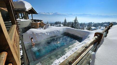 Poze Piscina - piscina-iarna.jpg