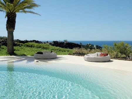 Poze Piscina - La piscina sau pe tarmul marii?