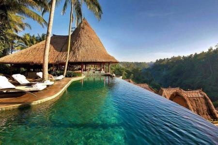 Poze Piscina - O superba piscina intr-un complex turistic din Bali