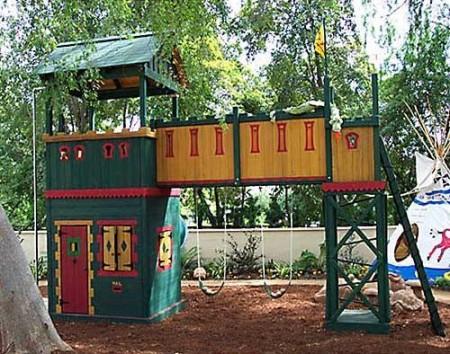 Poze Locuri de joaca - Loc de joaca - turn de cetate