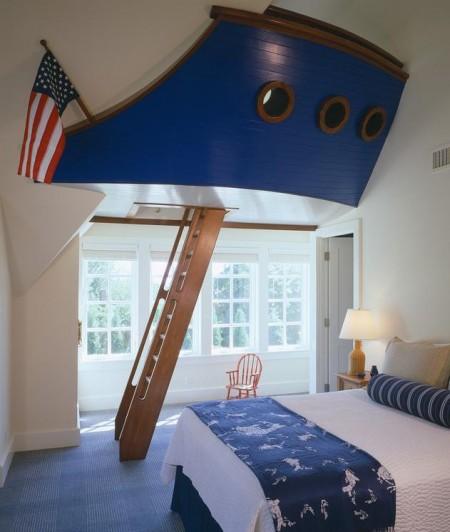 Poze Copii si tineret - Barca in camera unui baietel