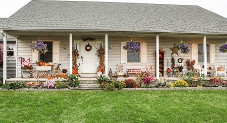 Poze Gradina de flori - Decor de toamna in gradina si terasa