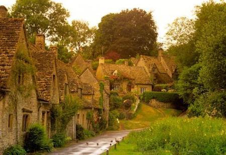 Poze Fatade - Case medievale cu fatade din piatra
