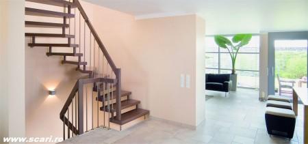 Poze Scari - Scara de interior autoportanta cu trepte din fag baituite in culoare nuc