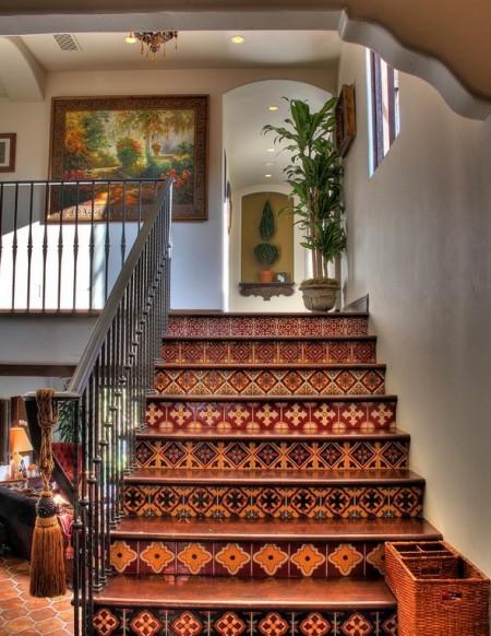 Poze Scari - Decorarea treptelor cu ceramica pictata
