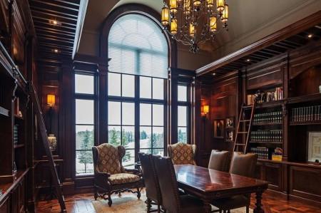 Poze Birou si biblioteca - Birou luxos cu mobilier, parchet si lambriuri din lemn masiv