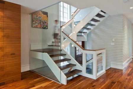 Poze Scari - Scara moderna din lemn si sticla