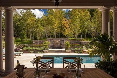 Poze Terasa - Terasa acoperita cu o superba perspectiva asupra piscinei si gradinii