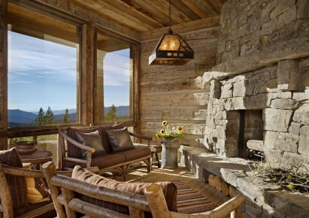 Poze Seminee - Semineu masiv intr-o cabana din lemn