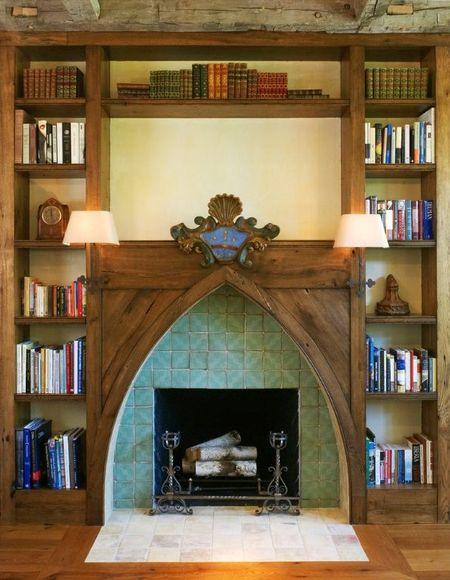 Poze Seminee - Semineul decorativ, piesa centrala a acestei biblioteci