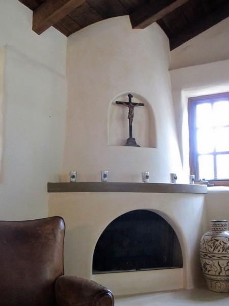 Poze Seminee - Semineu intr-un interior mediteranean spaniol