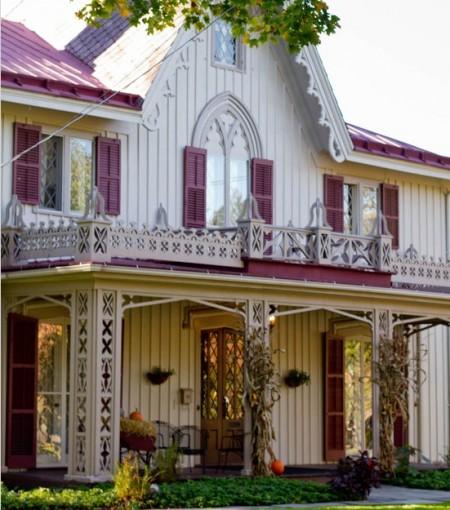 Poze Fatade - Ornamente din lemn pentru fatada casei