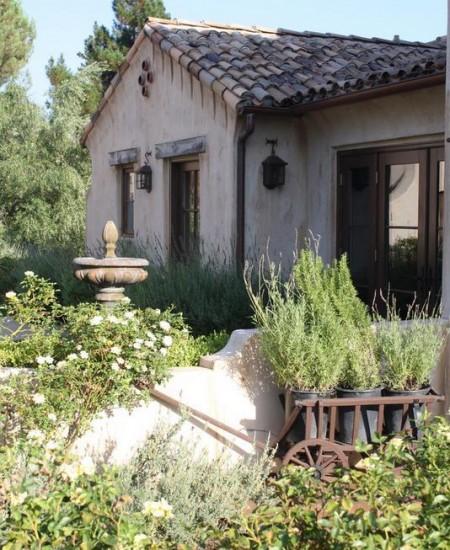Poze Fatade - Casa mica in stil rustic mediteranean