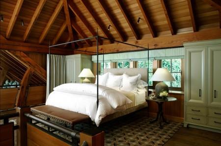 Poze Dormitor - Dormitor matrimonial intr-o mansarda din lemn