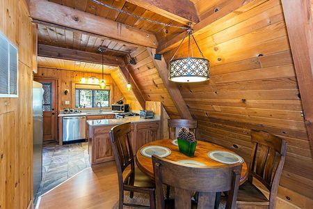 Poze Sufragerie - sufragerie-casa-lemn-forma-a-1.jpg
