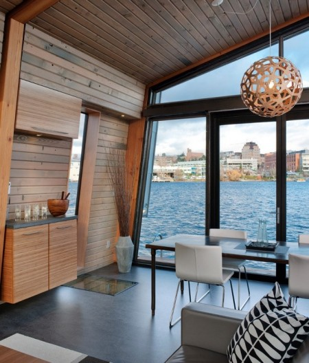 Poze Sufragerie - Sufrageria unei case plutitoare