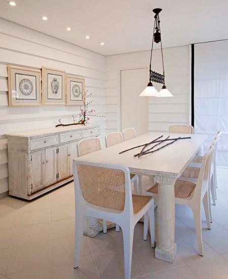 Poze Sufragerie - O sufragerie vintage in nuante deschise