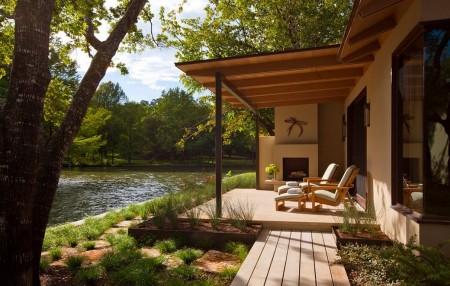 Poze Terasa - Clipe placute de relaxare pe malul apei