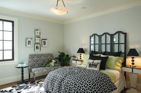 Poze Dormitor - Tablia patului in forma de fereastra