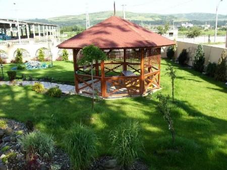 Poze Foisor si pavilion - Foisor din lemn si mobilier de gradina din lemn