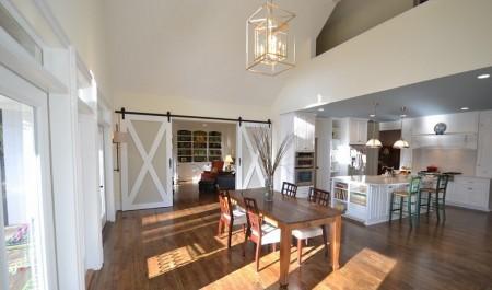 Poze Sufragerie - Usile glisante, o modalitate ingenioasa de a demarca diverse zone din locuinta