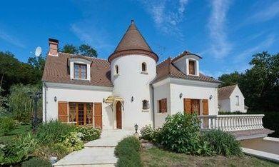 Poze Fatade - Casa cu o arhitectura traditionala exceptionala