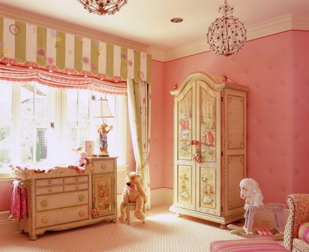 Poze Copii si tineret - Amenajare camera pentru fetite - mobilier pictat