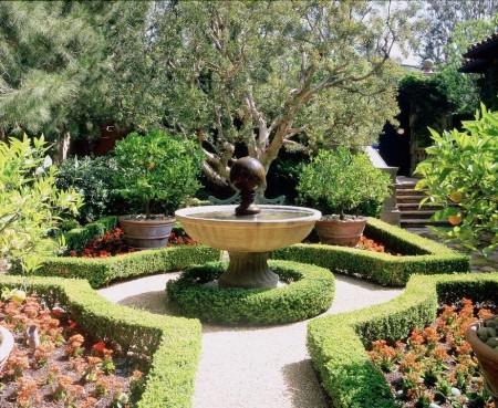 Poze Gradina de flori - Gradina clasica trasata geometric