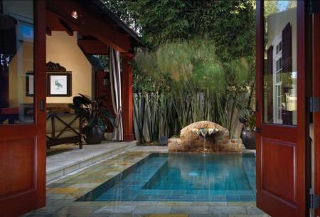 Poze Piscina - Curte interioara cu piscina