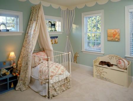 Poze Copii si tineret - Decor de poveste in camera bebelusului
