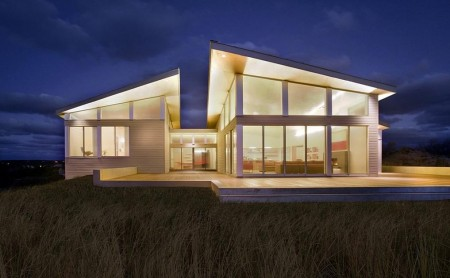Poze Fatade - Casa moderna cu spatii vitrate ample