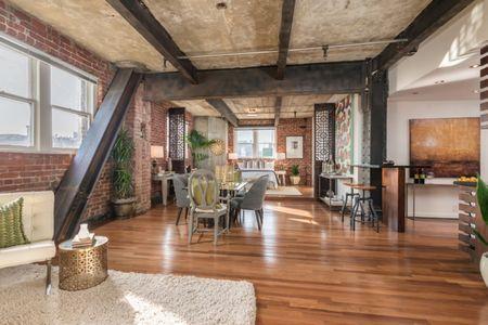 Poze Living - Zona de zi deschisa intr-un apartament modern