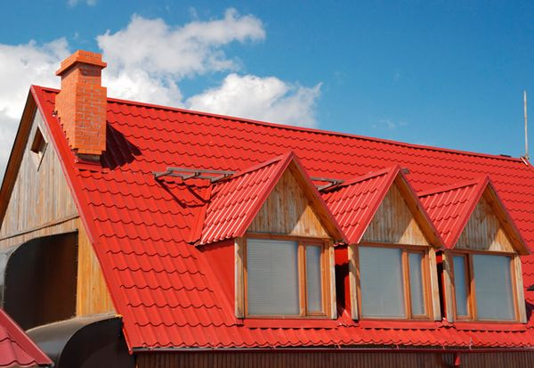 Afla cum poti gasi tigla metalica ideala pentru proiectul casei tale