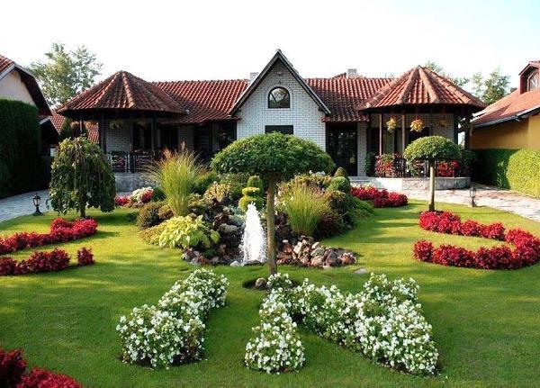Idei pentru amenajari exterioare cu flori. O curte sau o gradina plina de culoare!