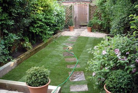 Stai la casa si ai o gradina mica iata cum e recomandat for Small garden layouts pictures