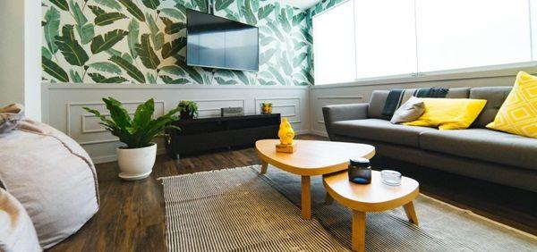 3 trucuri pentru a-ti face sufrageria mai primitoare