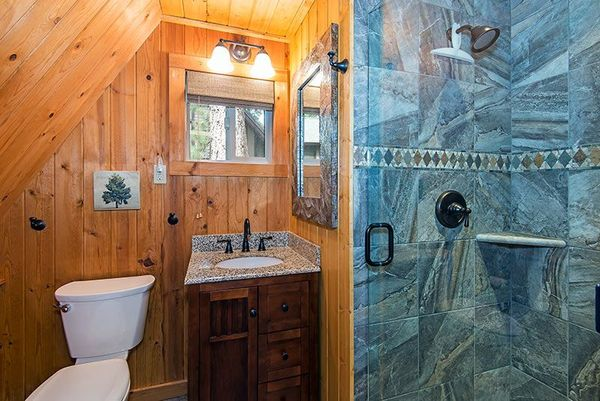 Baie casa lemn mica