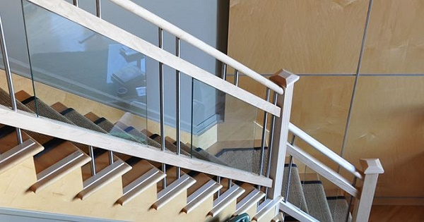 Scari si terase cu balustrade de sticla - eleganta, siguranta si rafinament