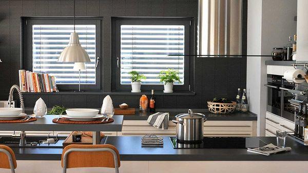 Bucatarie si bar design modern