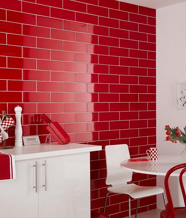 Bucatarie perete rosu