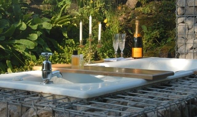 Transforma o cada veche in locul preferat de relaxare din gradina!