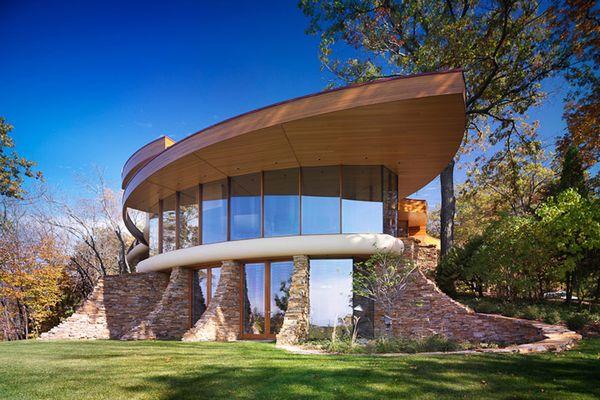 Casa cu arhitectura moderna construita dupa principii ecologice - imagini si proiect