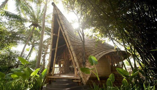 Arhitectura durabila: casa din bambus - Galerie foto
