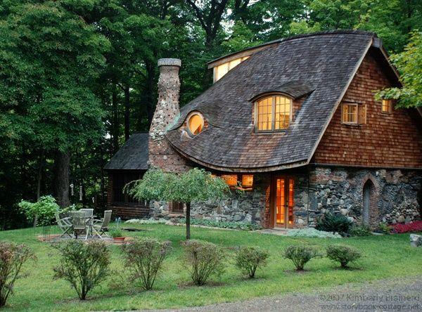 Cele mai frumoase case desprinse parca din povestile for Foto case americane interni