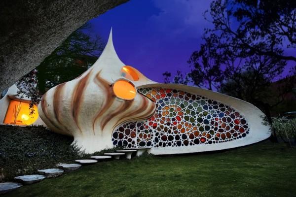 Frumusetea arhitecturii organice: Casa cochilie - Foto si video