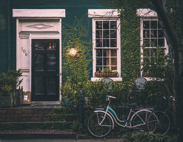 Ce este mai bine sa alegi: casa doar pe parter sau casa cu etaj?