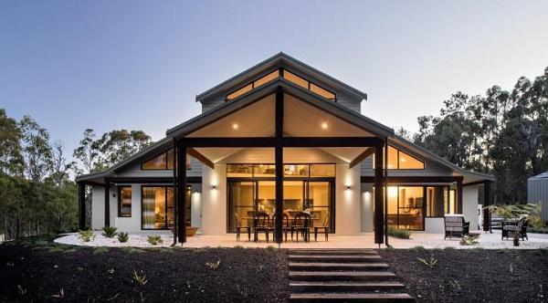 O casa moderna care te cucereste cu lumina si culoare - galerie foto